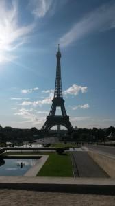 courir sous la tour Eiffel